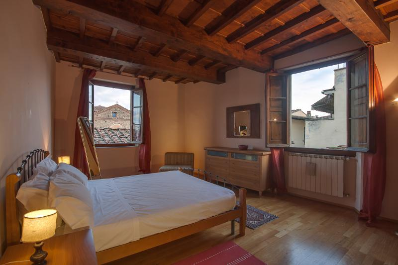 Beautiful 2 Bedroom with Picturesque Views at San Martino - Image 1 - Florence - rentals