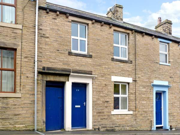 THE LITTLE HOUSE, pet friendly, country holiday cottage, with a garden in Skipton, Ref 10624 - Image 1 - Skipton - rentals