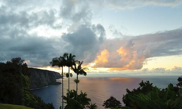 Sunsets are Stunning, no glare, no heat - Oceanfront, Magical, Breathtaking..... - Honokaa - rentals
