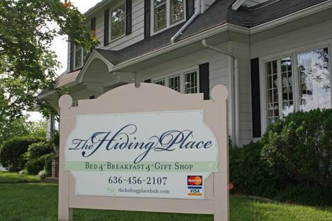 Outside of Bed and Breakfast - Bed & Breakfast Centurally Located to Wine Country - Warrenton - rentals