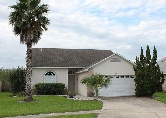 Excellent vacation home with private pool, flat screen TV and free Wi-Fi. - Image 1 - Orlando - rentals