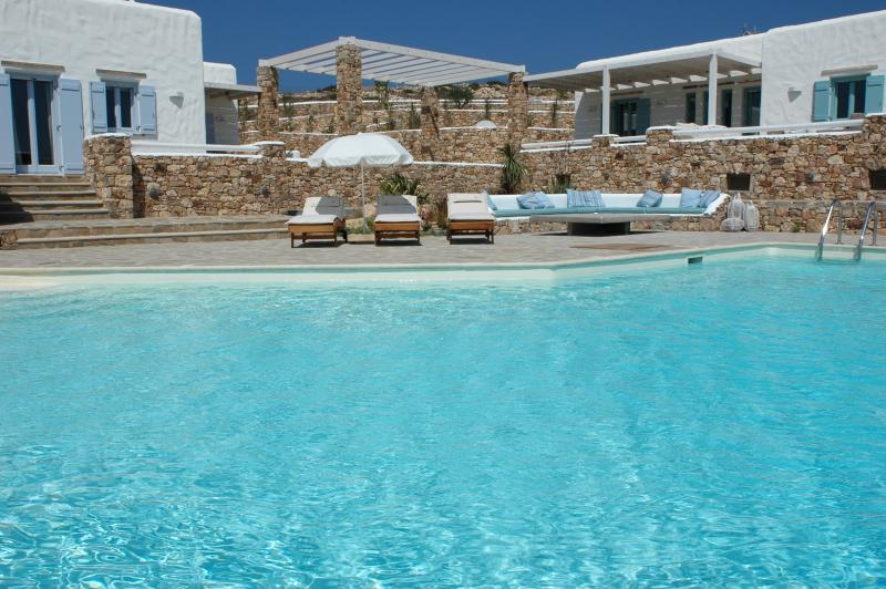 Greek Island Villa with views of the Aegean Sea and within Walking Distance of - Image 1 - Koufonissi - rentals