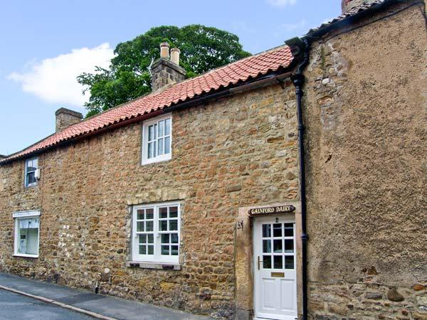 THE OLD DAIRY, pet friendly, character holiday cottage, with a garden in Gainford, Ref 9202 - Image 1 - Piercebridge - rentals