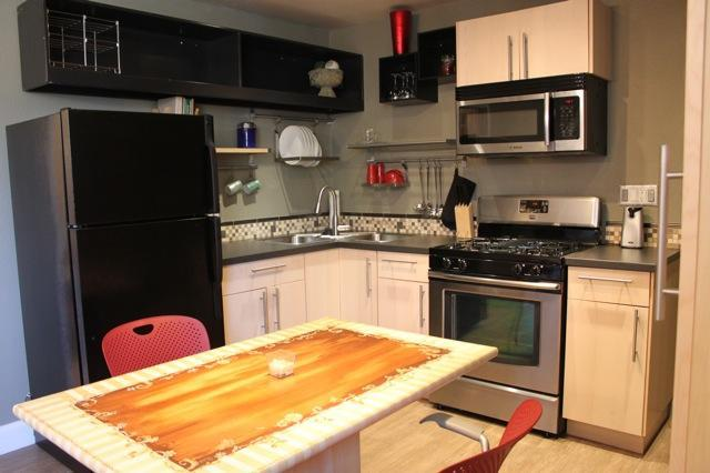 New Kitchen and Appliances - A Designer HB Beach Hideaway with AC - Huntington Beach - rentals