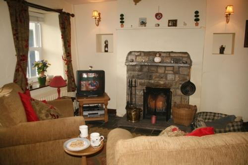 SHEEP FOLD COTTAGE, Sedbergh, South Lakes/Dales Border - Image 1 - Sedbergh - rentals