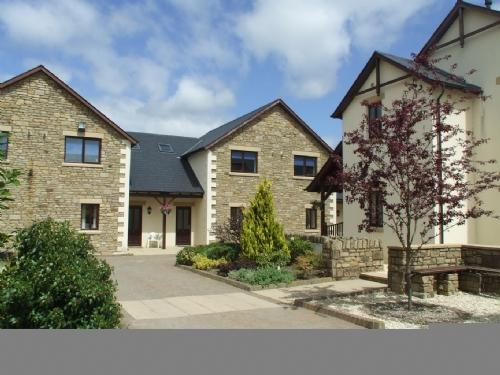 WHITBARROW HOLIDAY VILLAGE TROUTBECK (5), near Ullswater - Image 1 - Ullswater - rentals
