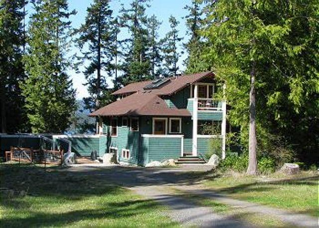 Coho Lane House is at the end of a private drive. Spacious deck is at the left & can be accessed from house or front yard. - Coho Lane on Lopez Island - Lopez Island - rentals