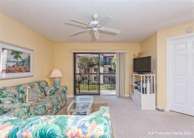 Our condo lets you vacation in tropical comfort - Ocean Village R24, Elevator, HDTV, Wifi in Unit, Near Ocean - Saint Augustine - rentals