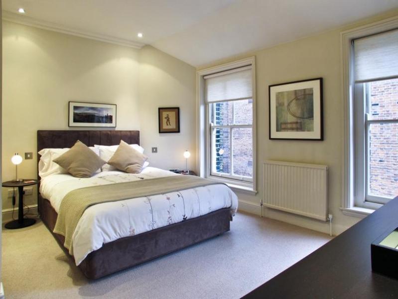 Clean and Elegant Bedroom - USD-1 Bdrm, 2 Bath, Draycott, Chelsea, Sloane Sq. - London - rentals