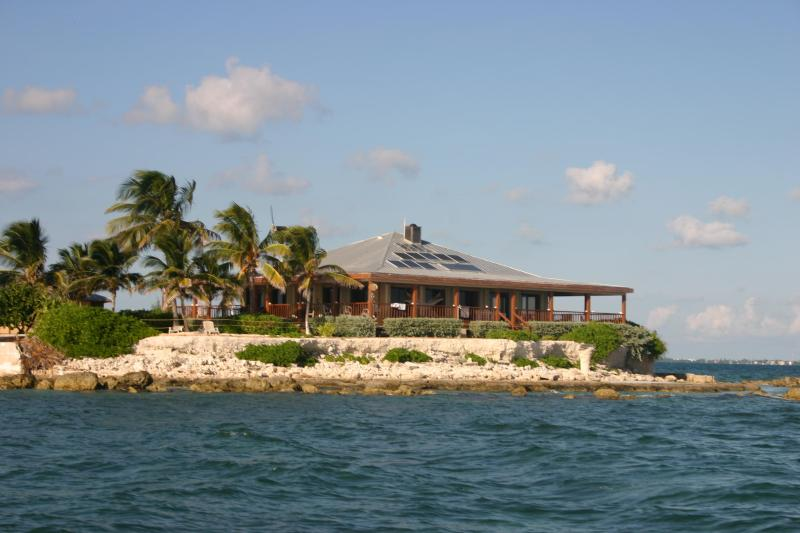 Rent a private island with 25ft boat Pure Luxury - Image 1 - Marathon - rentals