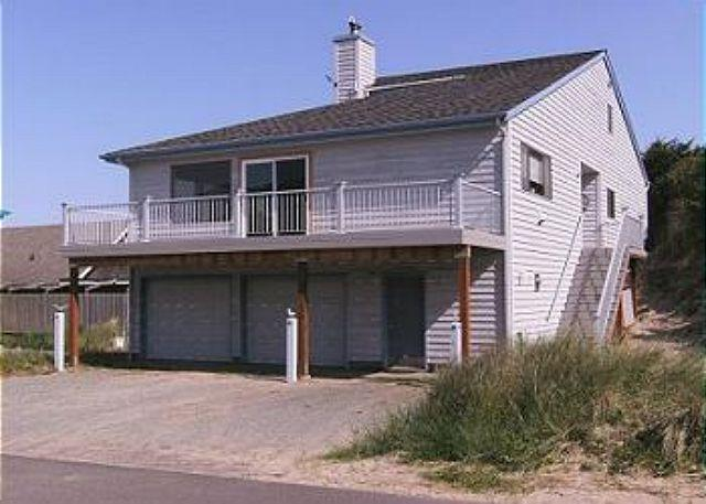 Street View - Beaches 'N Green~Vaulted ceilings with skylights and Ocean Views!!! - Manzanita - rentals