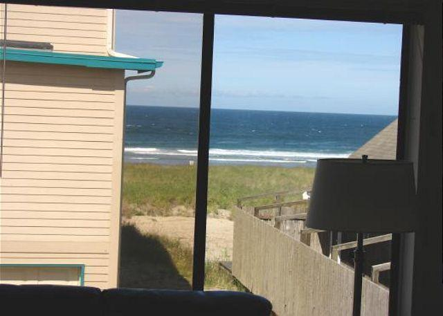 Ocean View - BEACHES 'N GREEN~MCA# 1208~Vaulted ceilings with skylights and ocean views!!! - Manzanita - rentals