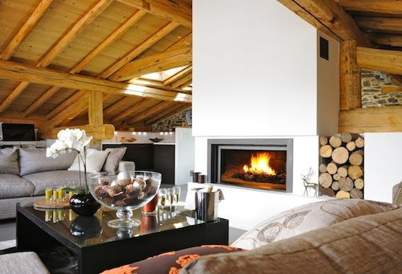Beautiful original beams in the roof top living room - The Alpine Club - Chalet Abode - Saint-Martin-de-Belleville - rentals