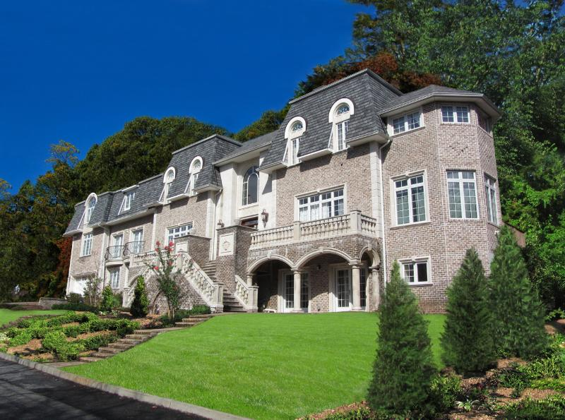 Front of Villa - Where Could You Find a NYC Mansion for $800/nt? - Staten Island - rentals