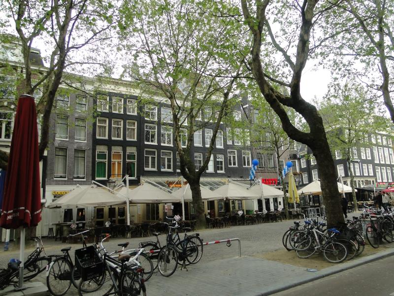 view of Cocos Outback and Thorbecke Square - modern 3 bedroom apartment in  Amsterdam centre - Amsterdam - rentals