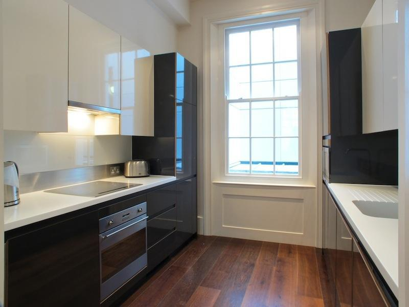 Modern Kitchen - 2 Bedroom Luxury Apartment in London - London - rentals