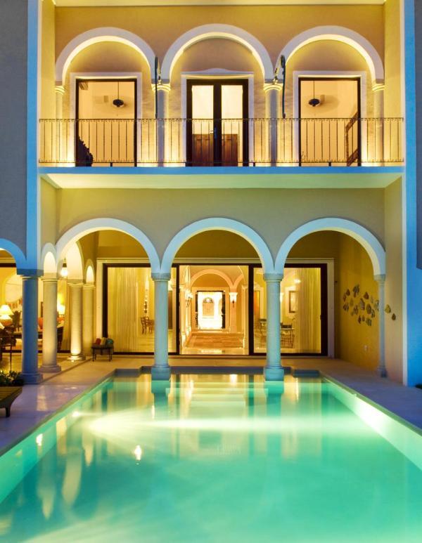 Villa Hacienda Kukulkan Beach Front w Tennis Court - Image 1 - Puerto Aventuras - rentals