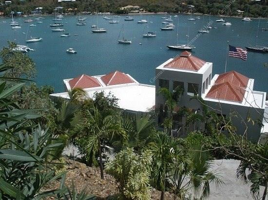 Built with friends and family in mind, this modern luxury villa offers private hillside location overlooking Great Cruz Bay - VI Friendship Villa - Cruz Bay - rentals