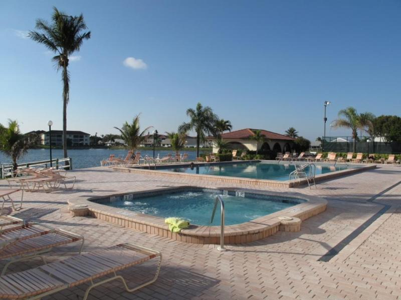 Cinnamon Cove in Fort Myers, 2BR/2BA Condo - Image 1 - Fort Myers - rentals