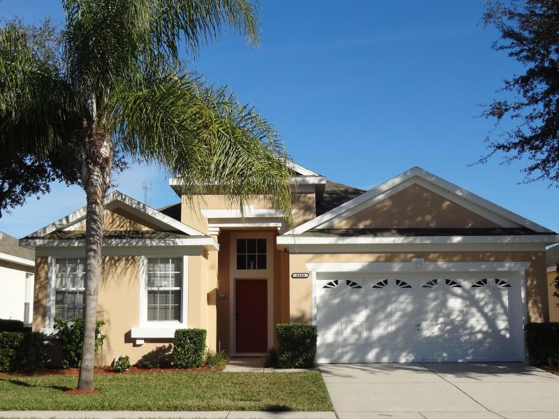 Exterior - Day - Luxurious 4BR Pool Home  - 10 Minutes to Disney - Kissimmee - rentals