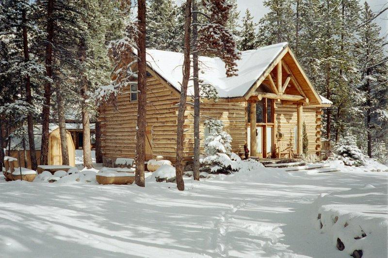 Exterior with circular driveway - Breckenridge 3 bedroom log home, holiday rental - Breckenridge - rentals