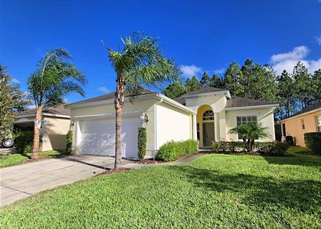 Front View - LAYZEE PALM VILLA: 4 Bedroom Home with Wooded Views from the Pool and Spa - Davenport - rentals