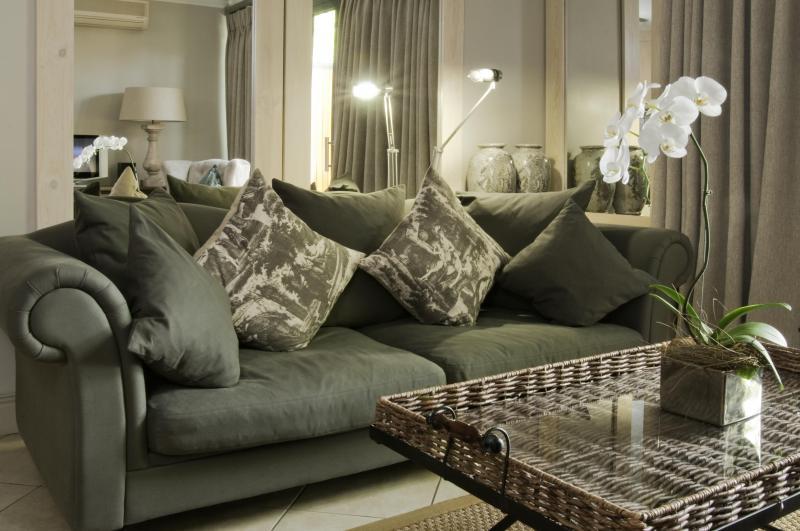 Life & Leisure Executive Apartment Oude Hoek 204 - Image 1 - Stellenbosch - rentals