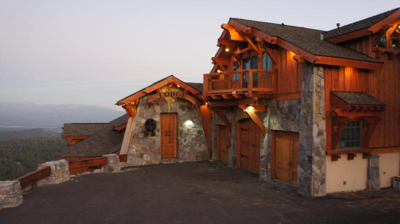 North Tahoe Lodge at Sunset - North Tahoe Lodge - Truckee - rentals