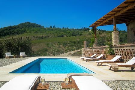 Countryside Capanna Cerreto nestled in 50 acres of vineyards in gated area with saline pool & staff - Image 1 - Chianti - rentals