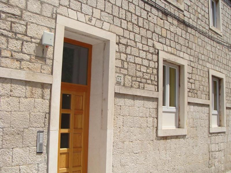 House Klaudija - 2 bedroom apartment near old town Trogir- sleep 6 - Trogir - rentals