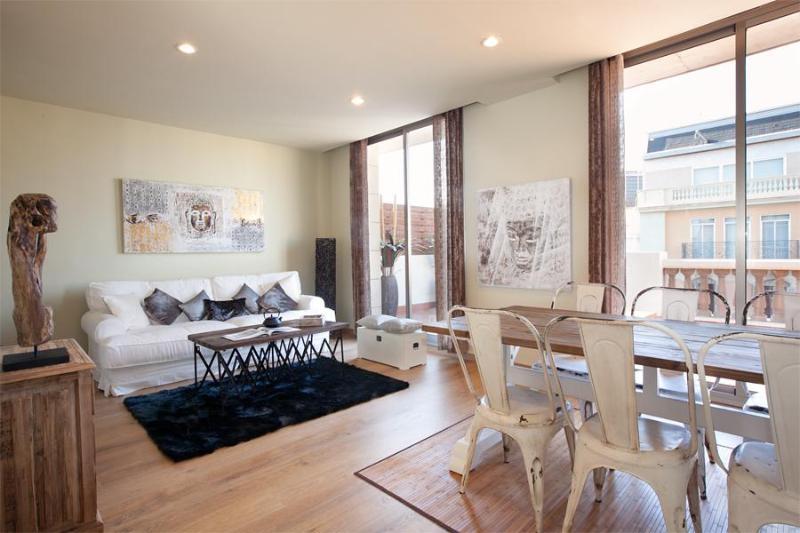 BCN Rambla Catalunya Provenzal Penthouse (HUTB-004259-89) - Image 1 - Barcelona - rentals