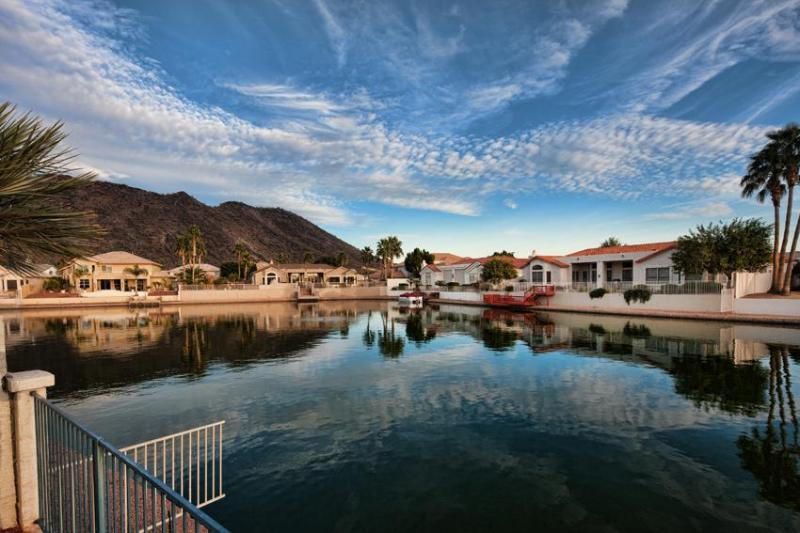 Amazing skyline view over the Thunderbird Mountain - DIVING POOL LAKEFRONT! MINUTES TO SPORTING EVENTS! - Glendale - rentals