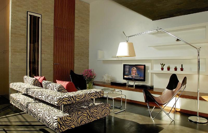 Sleek 2 Bedroom Apartment in Palermo Soho - Image 1 - Buenos Aires - rentals