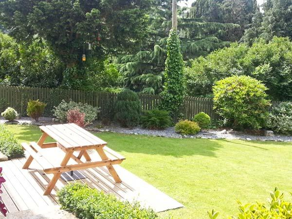 GARDEN FLAT, pet friendly, with a garden in Mevagissey, Ref 11470 - Image 1 - Mevagissey - rentals