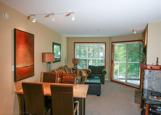 Living Area - Aspens #226, 2 Bdrm, Ski-in Ski-out, Serene Forest View, Free Wifi - Whistler - rentals