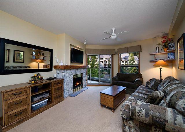 Living Room - Aspens #438, Top Floor 1 Bdrm, Ski-in Ski-out, Free Wifi - Whistler - rentals