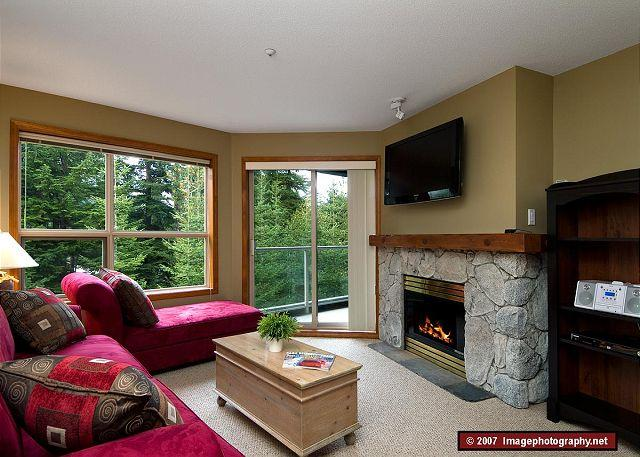 Living Room - Aspens #328, 1 Bdrm, Ski-in Ski-out, Serene Forest View, Free Wifi - Whistler - rentals