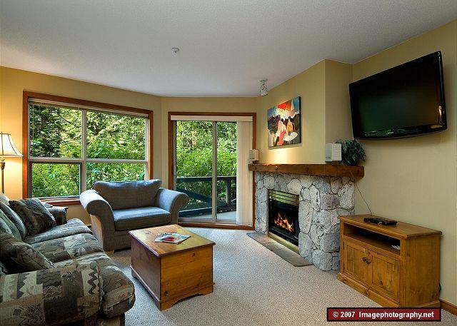 Living Room - Aspens #125, 2 Bdrm, Ski-in Ski-out, Serene Forest View, Free Wifi - Whistler - rentals