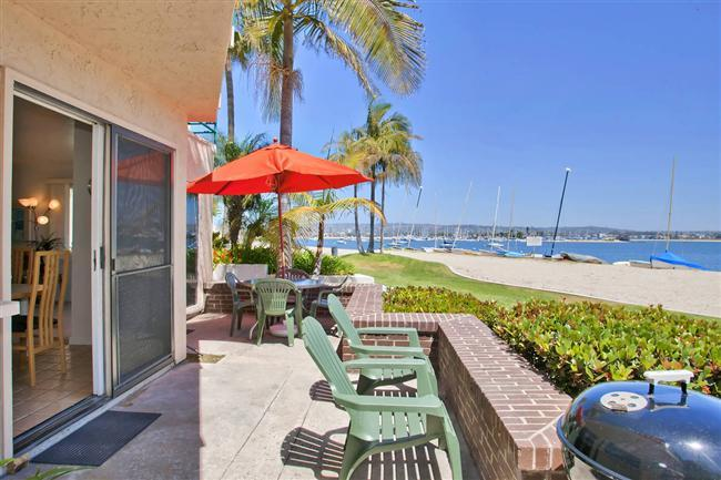 #3263 - WATERFRONT W/Spacious Patio! - Image 1 - Mission Beach - rentals