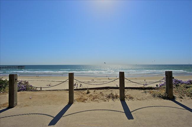 #312 - OCEANFRONT W/Pool Access! Nice ocean views! - Image 1 - Mission Beach - rentals