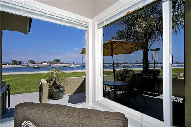 3676 Bayside Walk - Waterfront - Luxurious Vacation Retreat W/ Patio - Image 1 - Pacific Beach - rentals