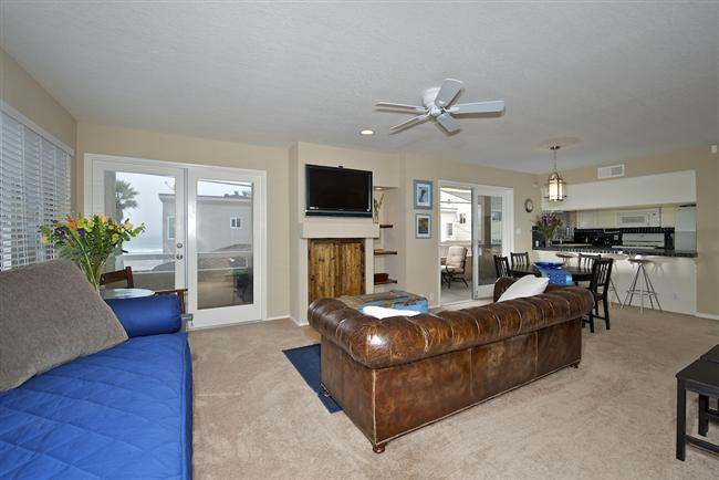 #714 - OCEANVIEWS from many rooms! Wrap-around balcony! - Image 1 - Pacific Beach - rentals