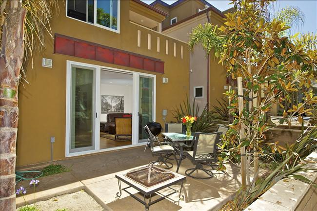 #733 - LUXURIOUS Retreat W/Private Patio! Steps to beach! - Image 1 - Mission Beach - rentals