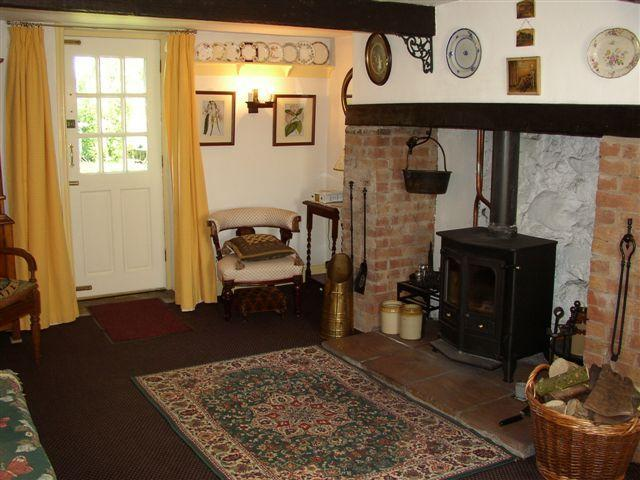 Living room third view - 2 bedroom character cottage with lots of charm - Larne - rentals
