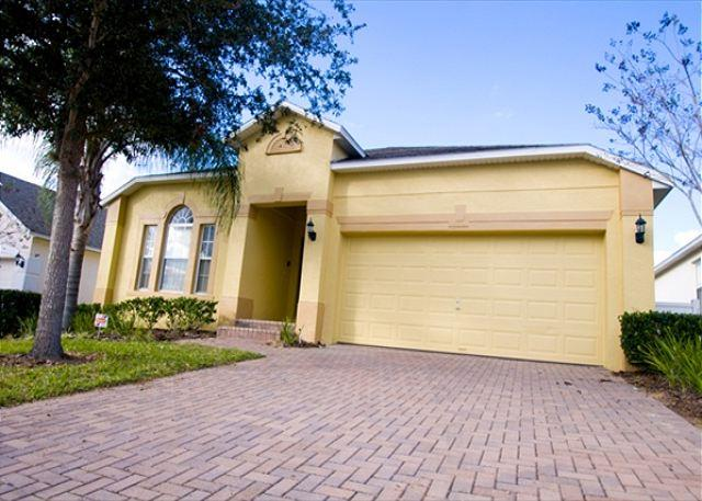 Front View - DISNEY FUN VILLA: 4 Bedroom Pet-Friendly Home with Kid Theme Room & Game Room - Davenport - rentals