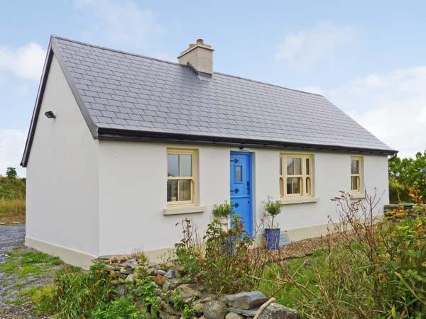 BLUEBELL COTTAGE, pet-friendly, character holiday cottage, with a garden in Spanish Point, County Clare, Ref 11397 - Image 1 - Spanish Point - rentals