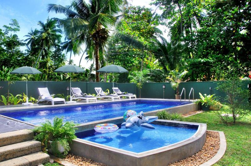 Both pools - Hikka Villa - your holiday home with swimming pool - Hikkaduwa - rentals