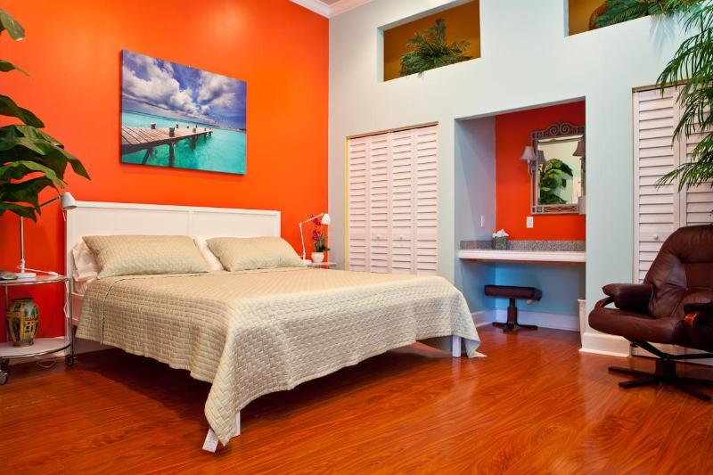 "Bedroom, new king bed, 14 ft ceilings,  a/c, recessed lights, ceiling fan,vanity, 42"" flat screen TV - STEPS TO DUVAL!! BELLA VITA   LUXURY,  SLEEPS 2-4, - Key West - rentals"