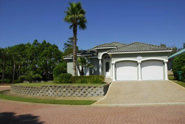 Welcome to the Grand Palms Villa located in Destiny Easy - Spring/Summer Dates!  Golf cart included,Pets GPV - Destin - rentals