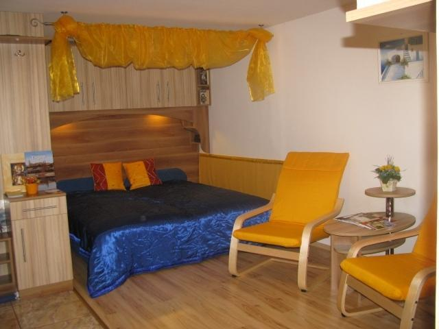Double bed, you can convert it for 2 separated beds - Self-catering Apartment by Hatvan;Budapest  55 min - Hatvan - rentals